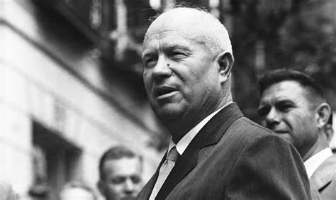 Accadde oggi: il 7 settembre 1953 Kruscev al comando dell'Urss: fu l'uomo che accusò Stalin e portò il mondo sull'orlo di una guerra atomica con i missili a Cuba