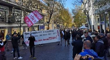 Napoli: Lega contestata al Vomero, candidato cacciato da residenti e commercianti