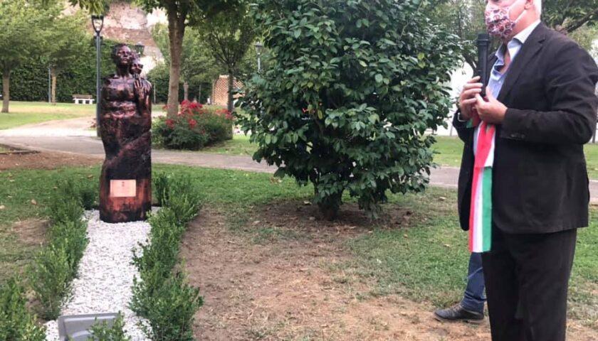 """Baronissi – il parco del Ciliegio si arricchisce dell'opera scultorea """"sulla nostra strada"""""""