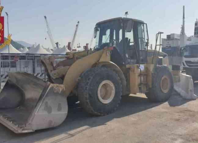 Recuperato nel porto di Salerno un Caterpillar provento di furto destinato a Casablanca