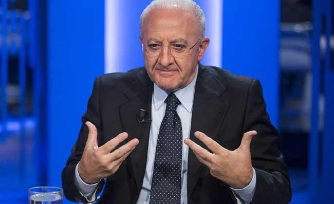 De Luca sfida i giudici della Corte dei Conti, i tre vigili tornano in Regione