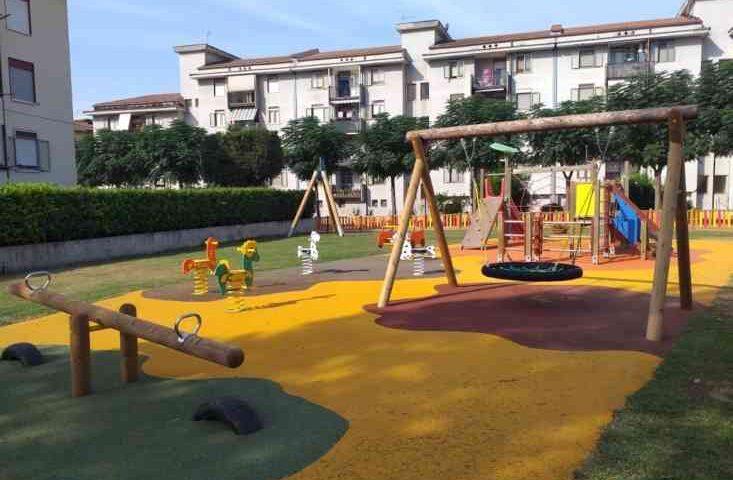 """A Baronissi inaugurato il parco giochi """"Topolino"""""""