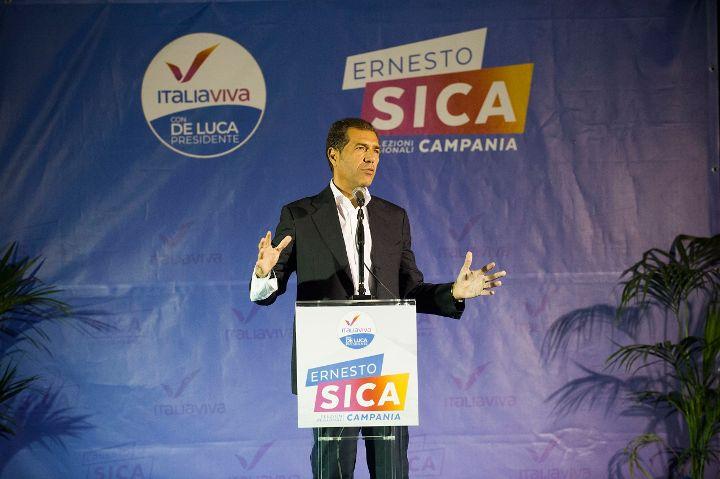 """Sica in piazza a Pontecagnano: """"Il nostro legame il mio più grande orgoglio, il mio impegno per una comunità forte e unita"""""""