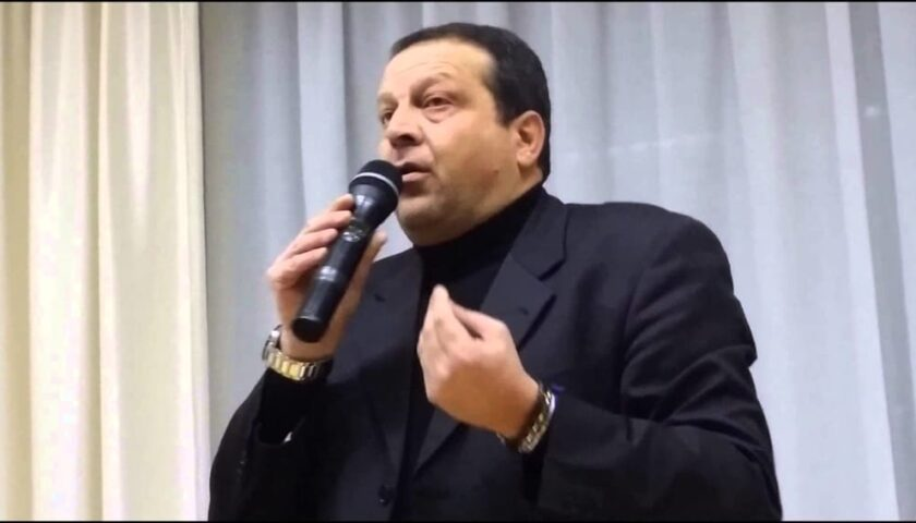 """Il sindaco Nuzzo: """"I contagi da covid a Caselle in Pittari li ho scoperti io"""""""