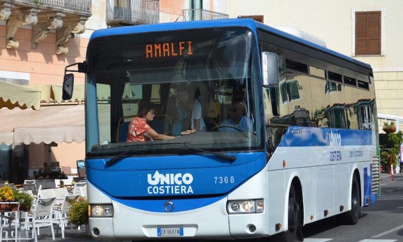 """""""Studenti viaggiano ammassati sui pullman creando situazione di pericolo"""", la lettera denuncia del sindaco di Minori a De Luca"""