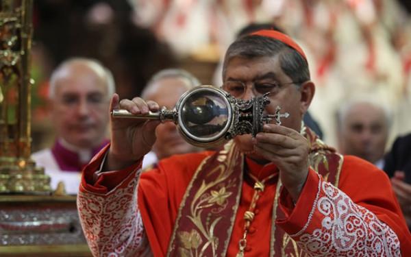 Alle 10 si scioglie il sangue in Cattedrale a Napoli, il miracolo di San Gennaro