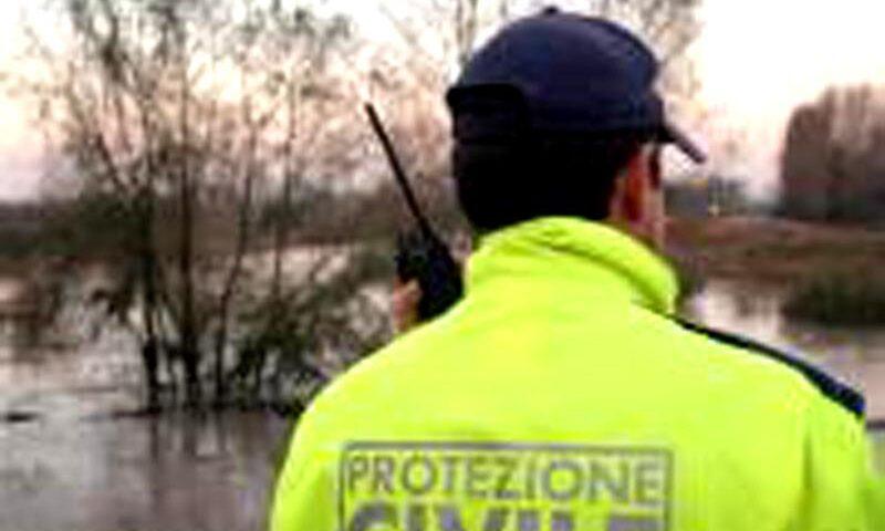 Maltempo, Protezione Civile Regione Campania al lavoro: oltre 100 brandine inviate a Sarno e Monteforte Irpino per campi accoglienza