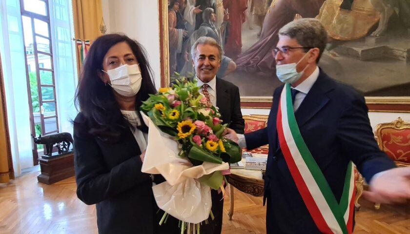 Cava de Tirreni – il sindaco Servalli ha ricevuto a palazzo di città Abeer Odeh l'ambasciatrice della Palestina in Italia