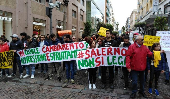 Contestazione a Salvini, 12 salernitani a processo