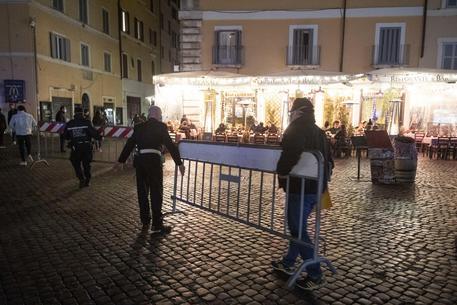Coprifuoco, incidenti nella notte a Roma