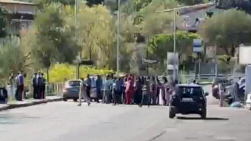 """Palinuro, protesta nel centro migranti: """"Non vogliamo essere isolati"""""""