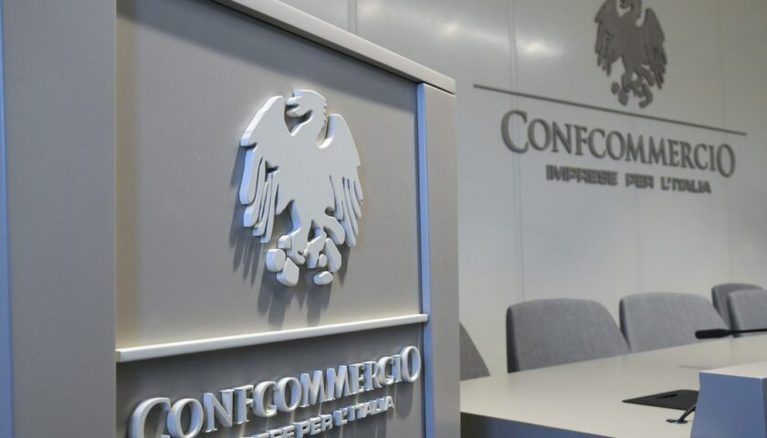 FIPE CONFCOMMERCIO CAMPANIA CHIEDE LA RIAPERTURA DI TUTTI I PUBBLICI ESERCIZI