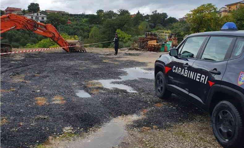 Smaltimento illecito di rifiuti, scatta il sequestro di un'area di Palomonte
