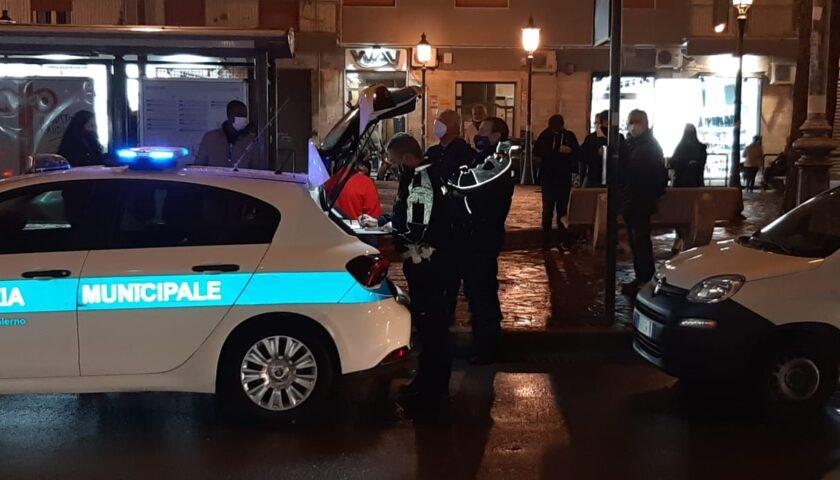Multato locale in via Roma, il titolare rifiuta di firmare: rischia 30 giorni di chiusura
