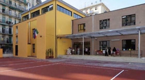 Riorganizzazione post covid, I genitori scioperano e niente scuola per gli alunni della elementare Gatto a Salerno