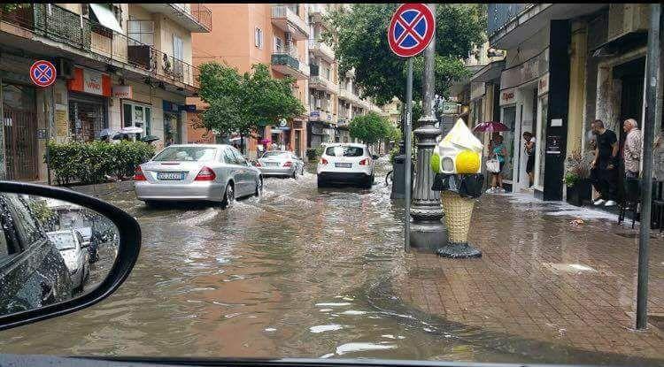 Il maltempo si abbatte sul Salernitano: allagamenti a Nocera e nella Valle dell'Irno. Il fiume Irno si ingrossa a Salerno