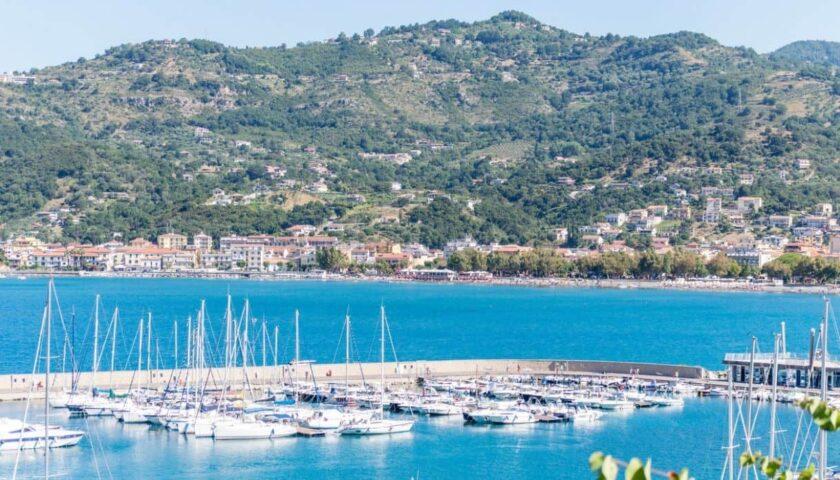 Da Sapri a Capri, attraversando l'Area Marina Protetta Santa Maria di Castellabate in barca elettrica