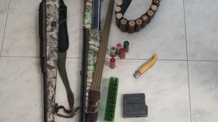 Serre, a caccia di cinghiali con un fucili modificati: nei guai un cacciatore