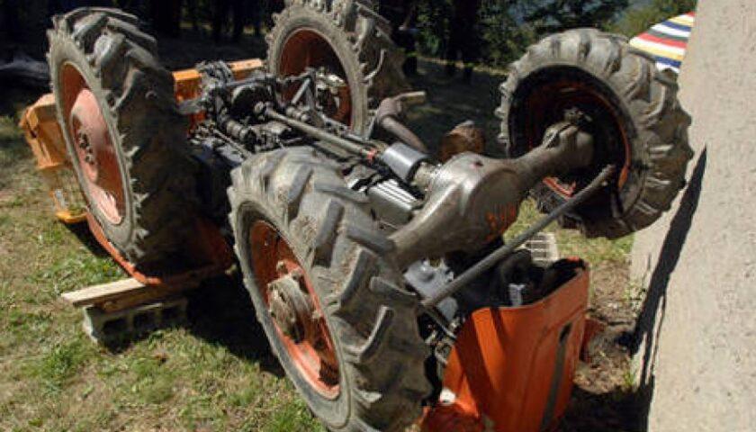 Finisce sotto a un trattore a Stella Cilento, muore il 22enne Nicol Esposito di Casalvelino