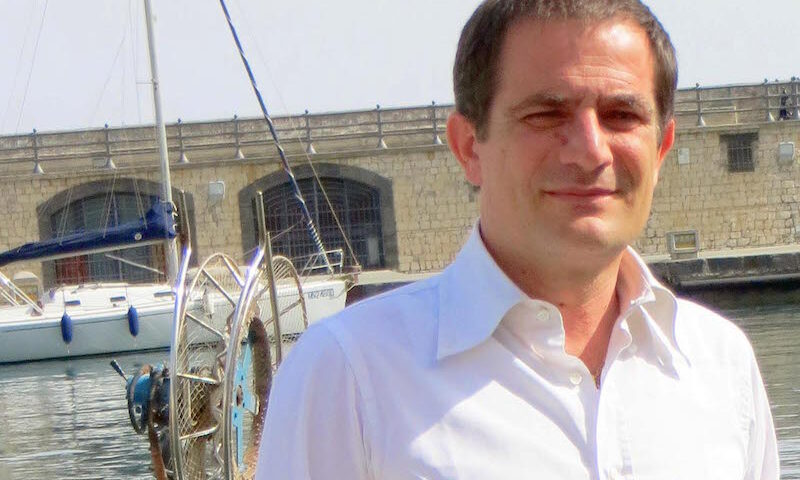 Cetara, positivo al covid il sindaco Della Monica