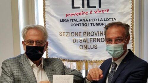 L'associazione commercialisti di Salerno consegnano contributi per i meno fortunati