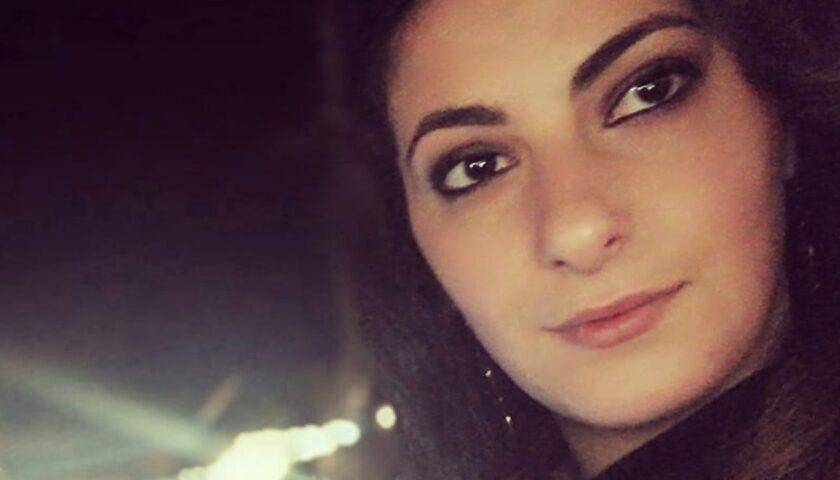 Lacrime e rabbia per l'addio a Desiree Quagliarella, la giovane morta per l'esondazione del torrente