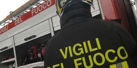 Pagani, incendiato un camion al titolare del cash all'ingrosso