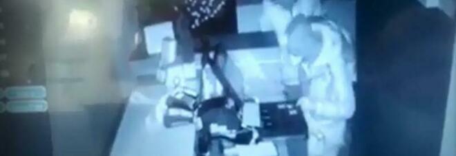 """Furto al bar tabacchi Valente a Salerno, Fdi Giovani: """"È problema sicurezza in città, il sindaco si dia da fare"""""""