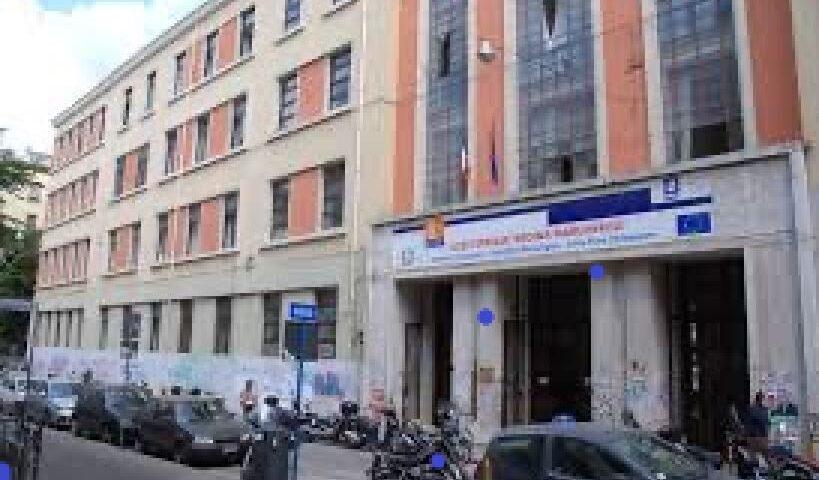"""Liceo Regina di Savoia a Salerno, Dad dal 29 settembre. Gli studenti: """"Stavolta non è colpa del mostro covid"""""""