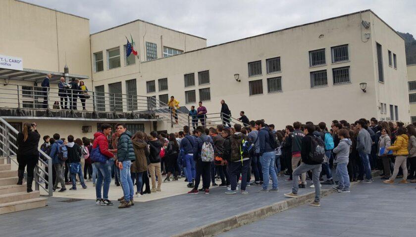 """Covid, chiuso per sanificazione oggi a Sarno il liceo """"Tito Lucrezio"""": riaprirà lunedì"""
