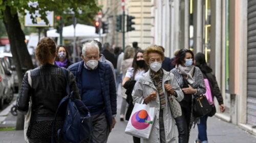 Coronavirus, lo studio: mascherine e distanza abbassano di mille volte la carica virale