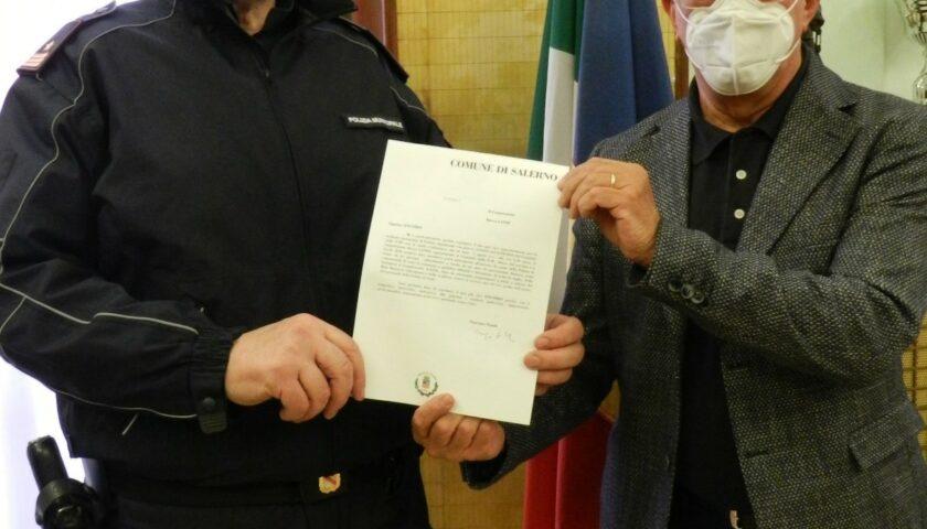 Encomio del sindaco di Salerno al vigile urbano autore di un arresto al Masuccio