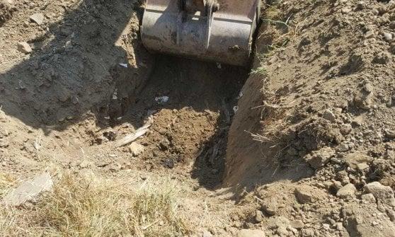 Cava de' Tirreni, nascondeva rifiuti tossici in un terreno a Breccelle: nei guai un 53enne