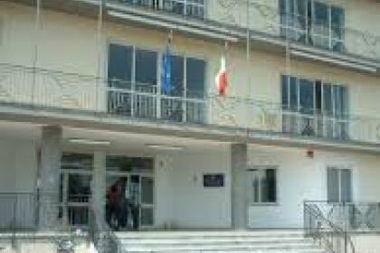 Scafati, liceo Caccioppoli senza succursale, il presidente della Provincia rassicura Salvati