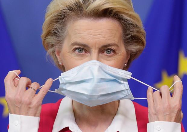 """Covid 19, Von der Leyen: """"Nel 2021 potremo vaccinare 700 milioni di persone"""""""