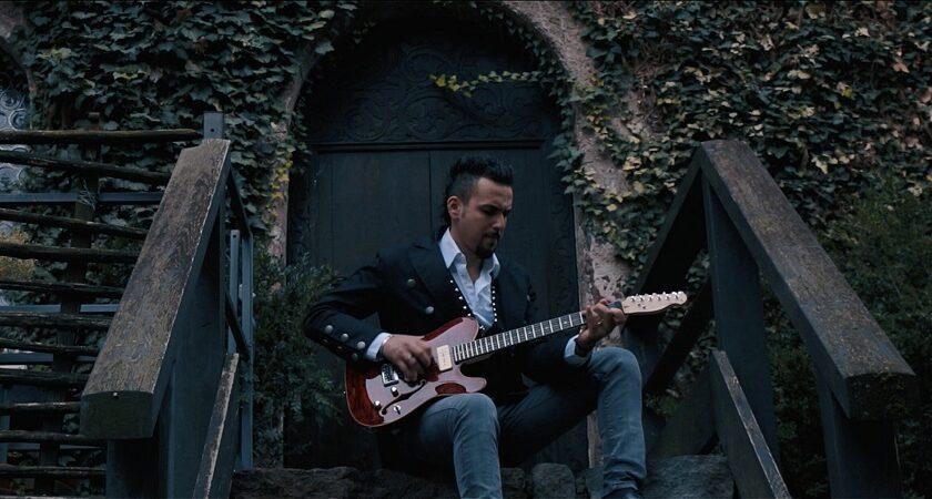 Old Walls è il titolo del nuovo video di Francesco Montanile avellinese residente a Bolzano
