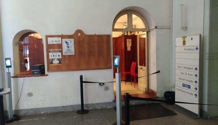Salerno, colonnine anti-Covid all'ingresso di Palazzo Sant'Agostino e Musei provinciali