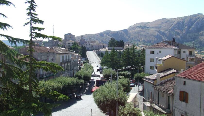 Emergenza covid, a Caggiano il sindaco chiude i parchi e limita l'accesso nelle chiese