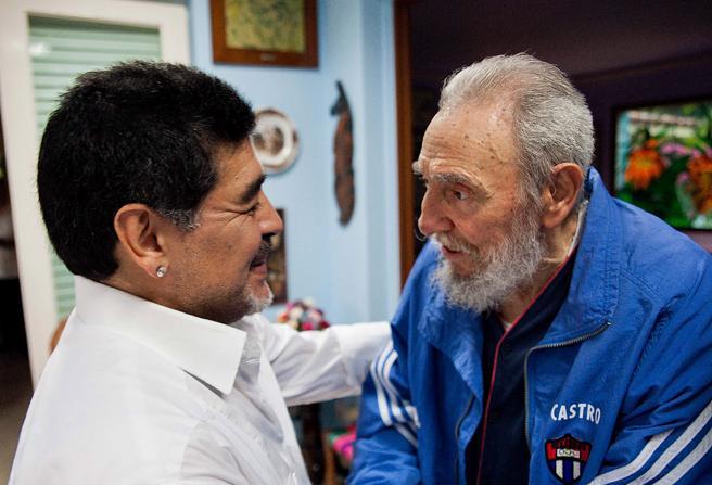 Diego Maradona se n'è andato nel giorno della morte di George Best e di Fidel Castro
