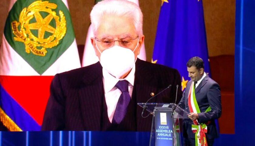 """Coronavirus, Mattarella all'Anci: """"Porre le basi per una ripartenza"""""""