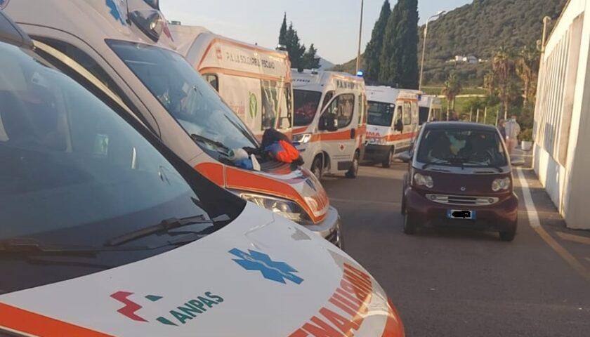 Ambulanze in fila al Ruggi: forti disagi al Pronto Soccorso