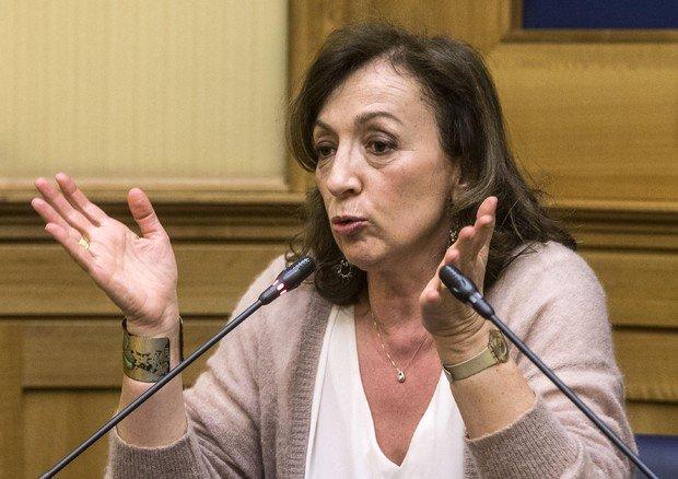 """Vaccinazione, il sottosegretario alla Salute Zampa: """"De Luca non ha rispettato i criteri"""""""