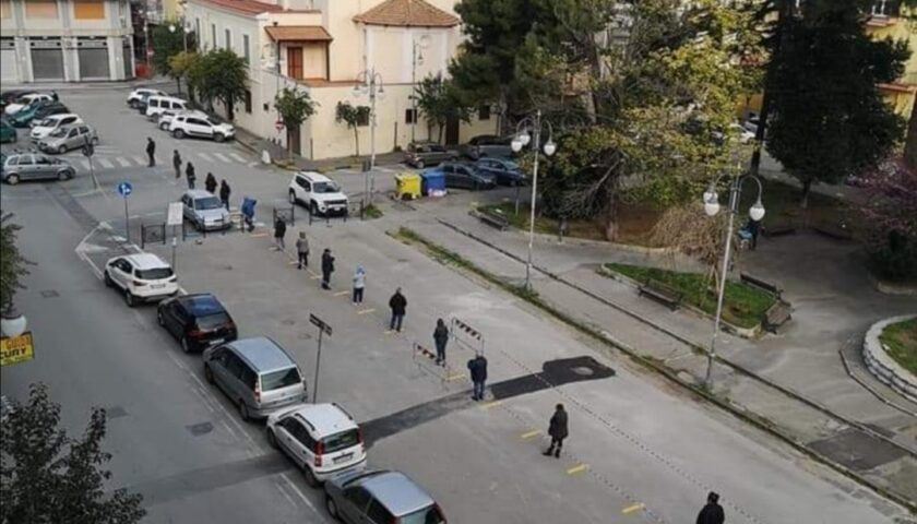 Angri – divieto di sosta temporanea per evitare assembramenti vicino agli uffici postali in città, ecco dove