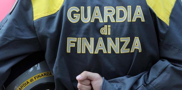 Droga tra Pagani e la Sicilia, arresti e sequestri