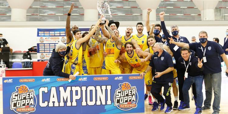 La gioia del Patron Longobardi dopo il successo della Givova Scafati in Supercoppa