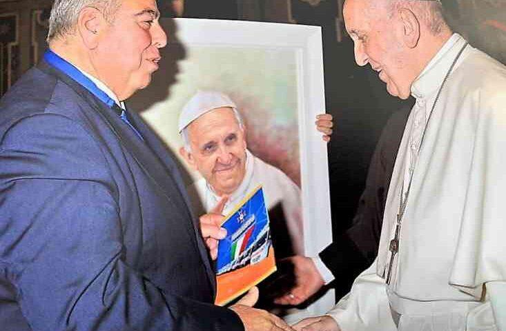 """Il premio internazionale """"Giovanni Paolo II"""" a Roberto Schiavone di Favignana presidente dell'Humanitas Salerno"""