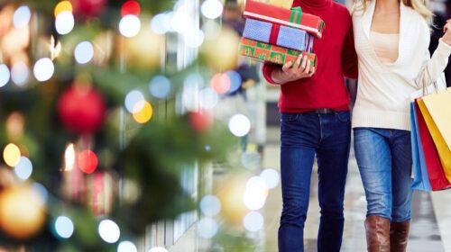 """Covid, il Cts: """"Controlli severi per lo shopping natalizio, altrimenti salta tutto"""""""
