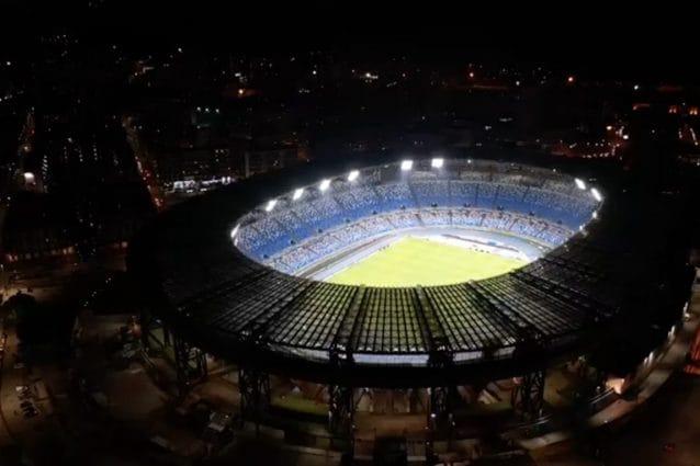 "Napoli, De Magistris: ""Lo stadio San Paolo sarà intitolato a Diego Armando Maradona"""""
