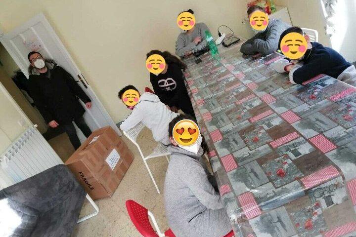 Cava de'Tirreni: doni e giocattoli da Metellia servizi e da associazioni cittadine al Centro diurno il Paiolo per minori in difficoltà