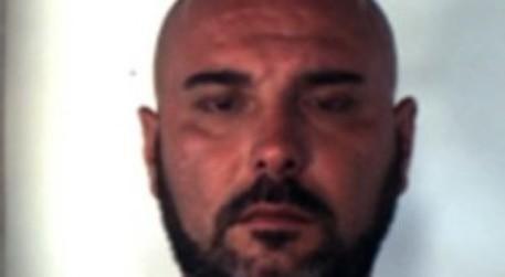 Assassinato in casa a Napoli Ciro Caiafa, era il padre del 17enne ucciso da un poliziotto durante una rapina